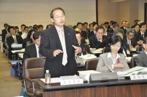 09年度決算特別委員会では監査委員として答弁しました