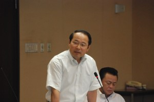 建設委員会で発言する若林新三議員