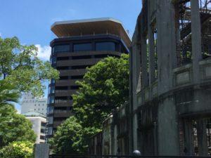 原爆ドーム横に竣工したおりづるタワー